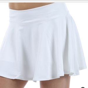 Nike white tennis skirts M